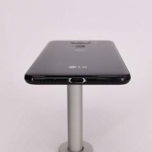 LG V30-tinyImage-2