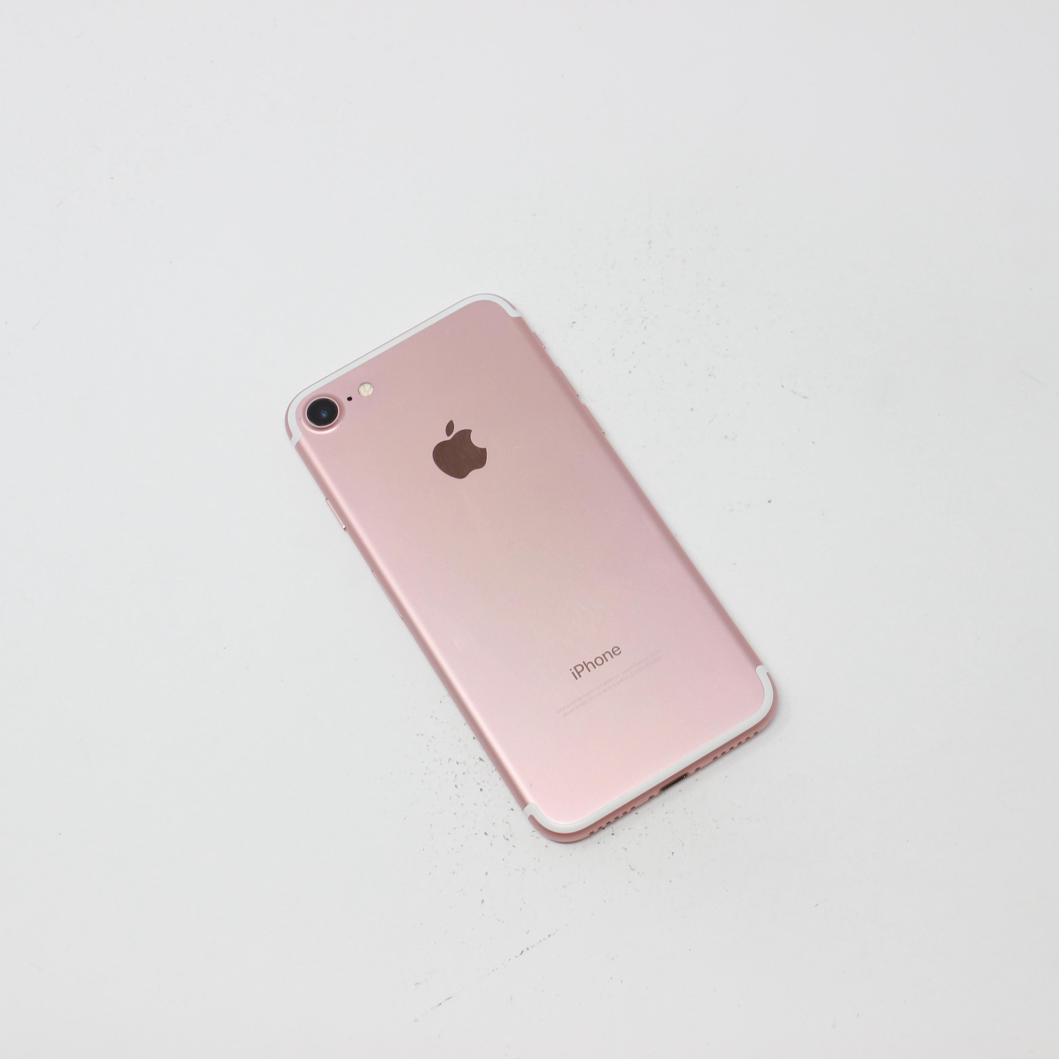 iPhone 7 128GB Rose Gold - Unlocked photo 3 | UpTradeit.com