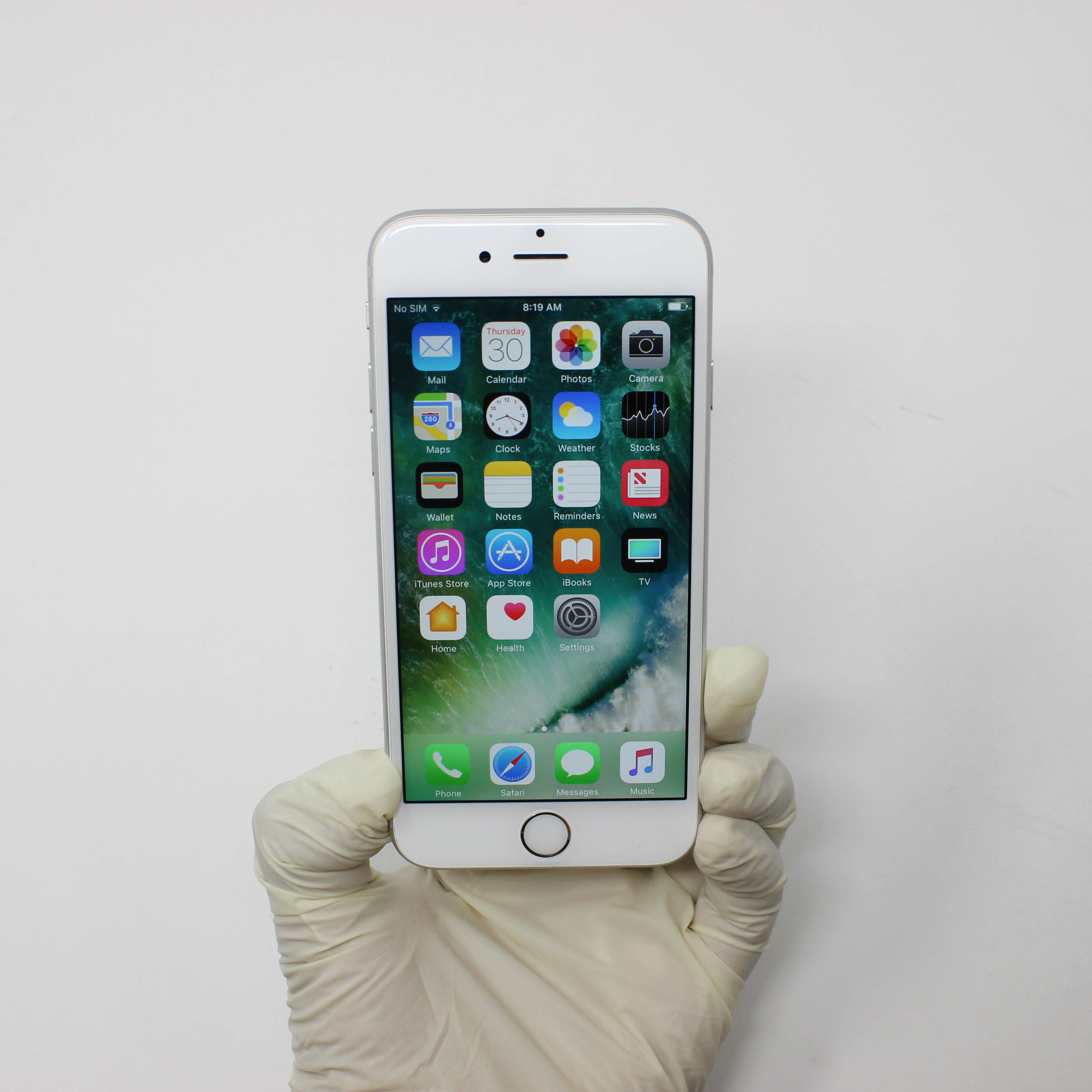 iPhone 6S 16GB Silver - AT&T front display on   UpTradeit.com
