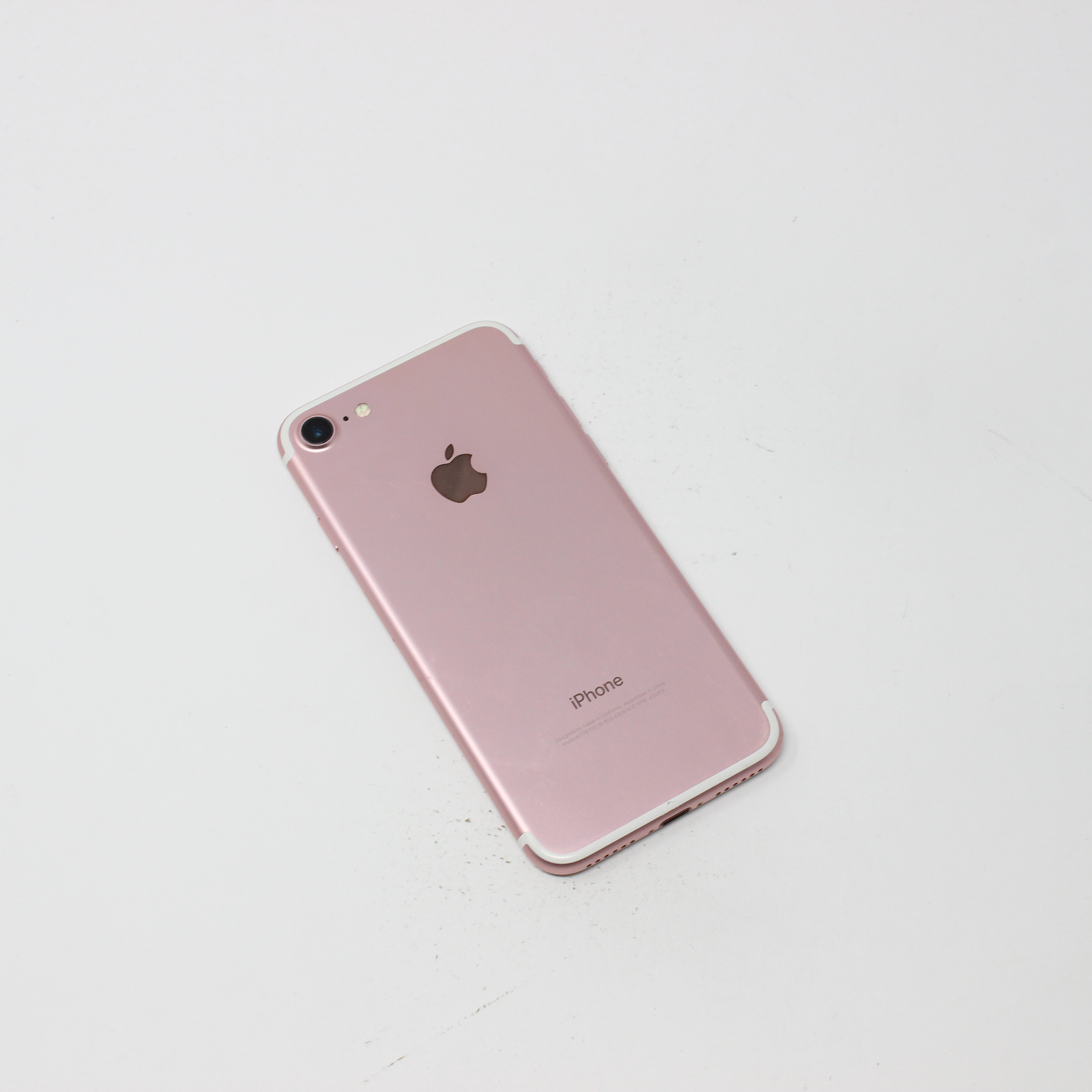 iPhone 7 128GB Rose Gold - Unlocked photo 3 | UpTradeit.com