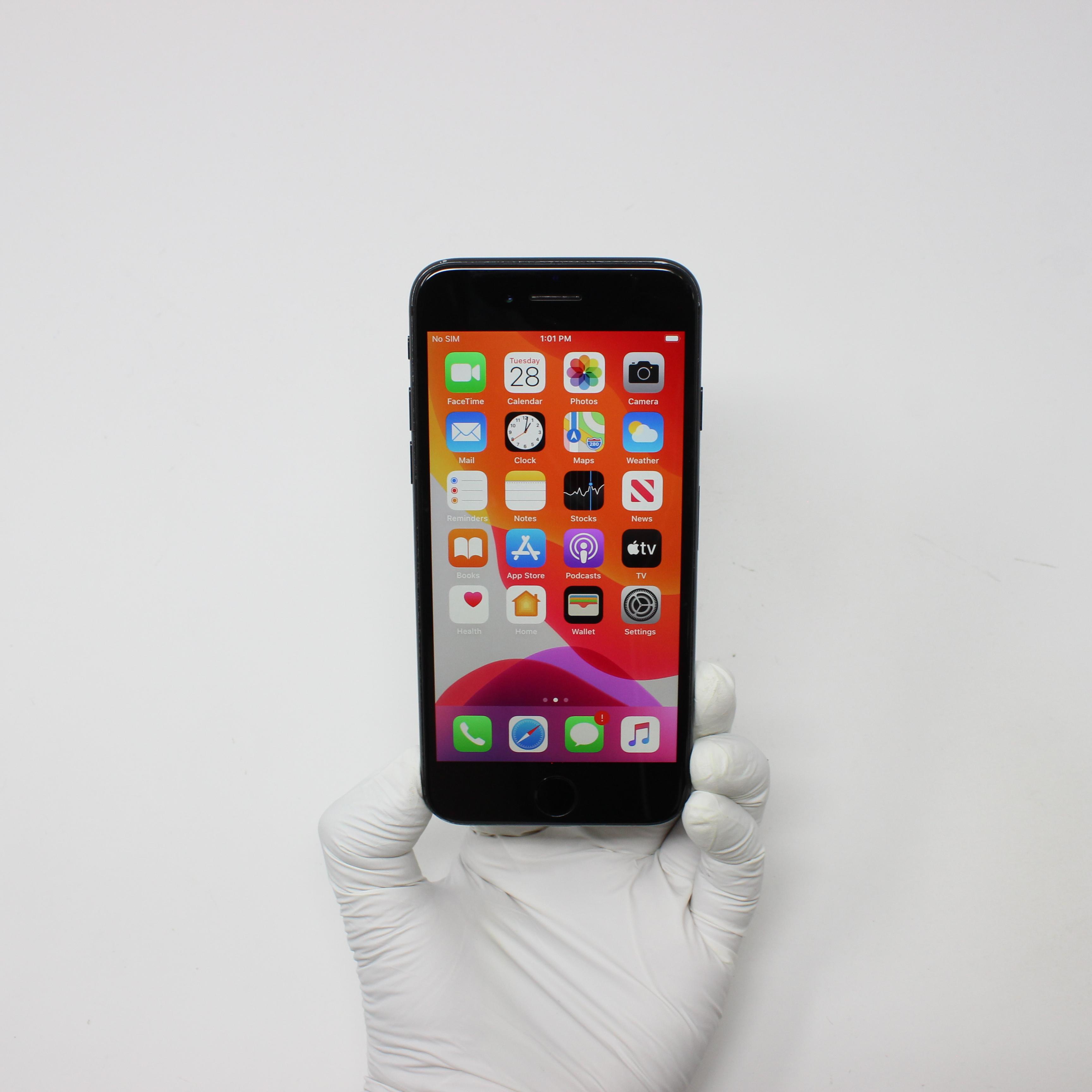 iPhone 7 128GB Black - Unlocked front display on | UpTradeit.com