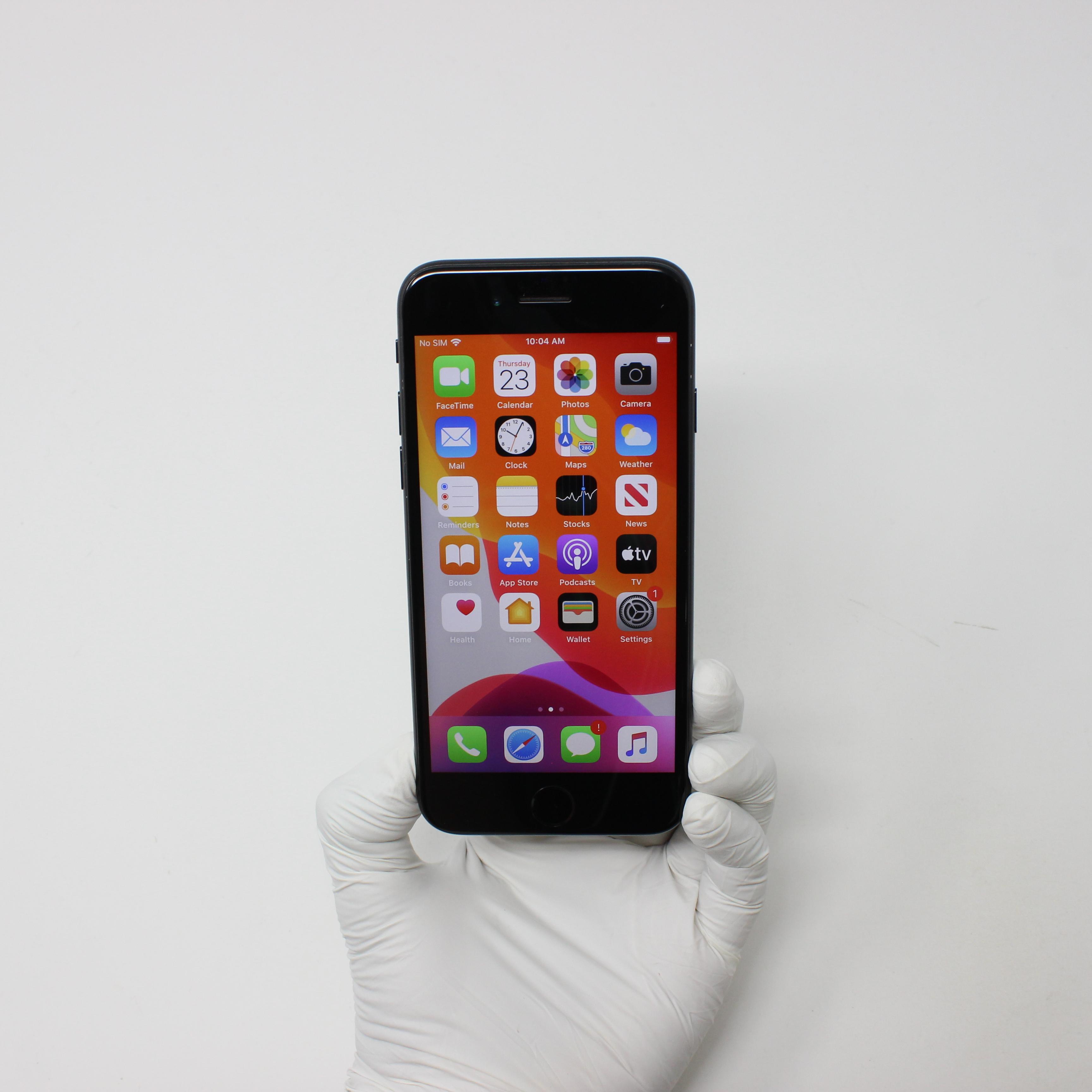 iPhone 7 128GB Black - AT&T front display on   UpTradeit.com
