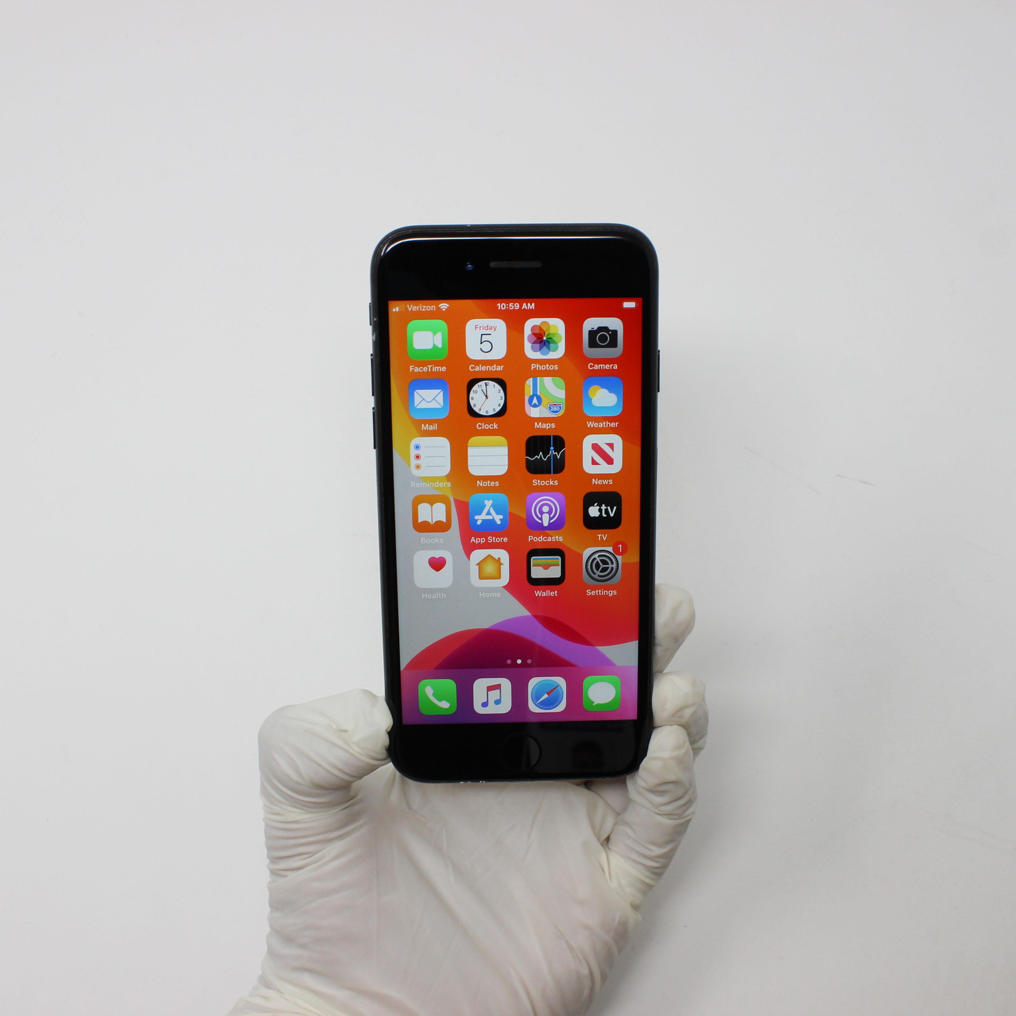 iPhone 7 32GB Black - Verizon front display on | UpTradeit.com