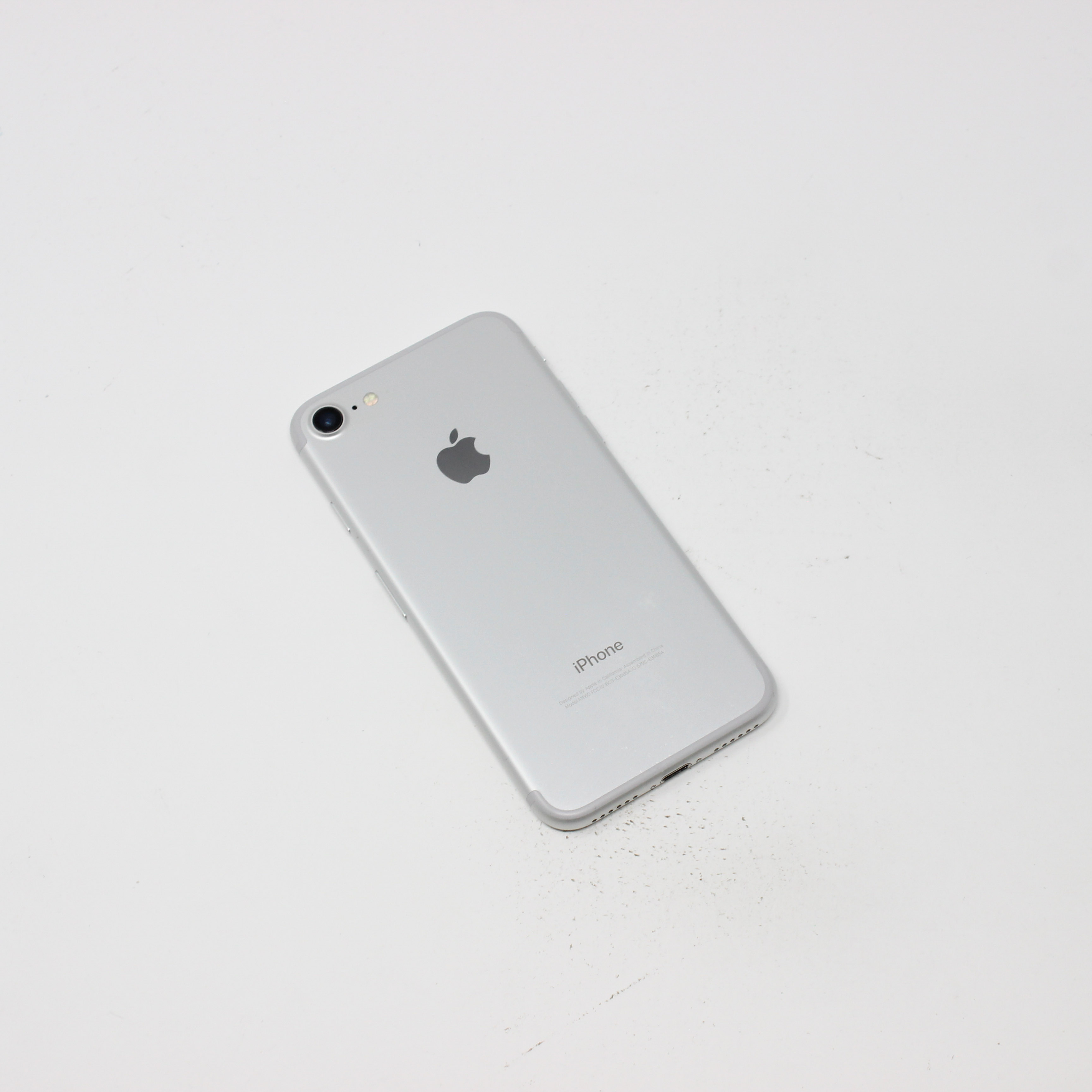 iPhone 7 32GB Silver - Verizon photo 3 | UpTradeit.com
