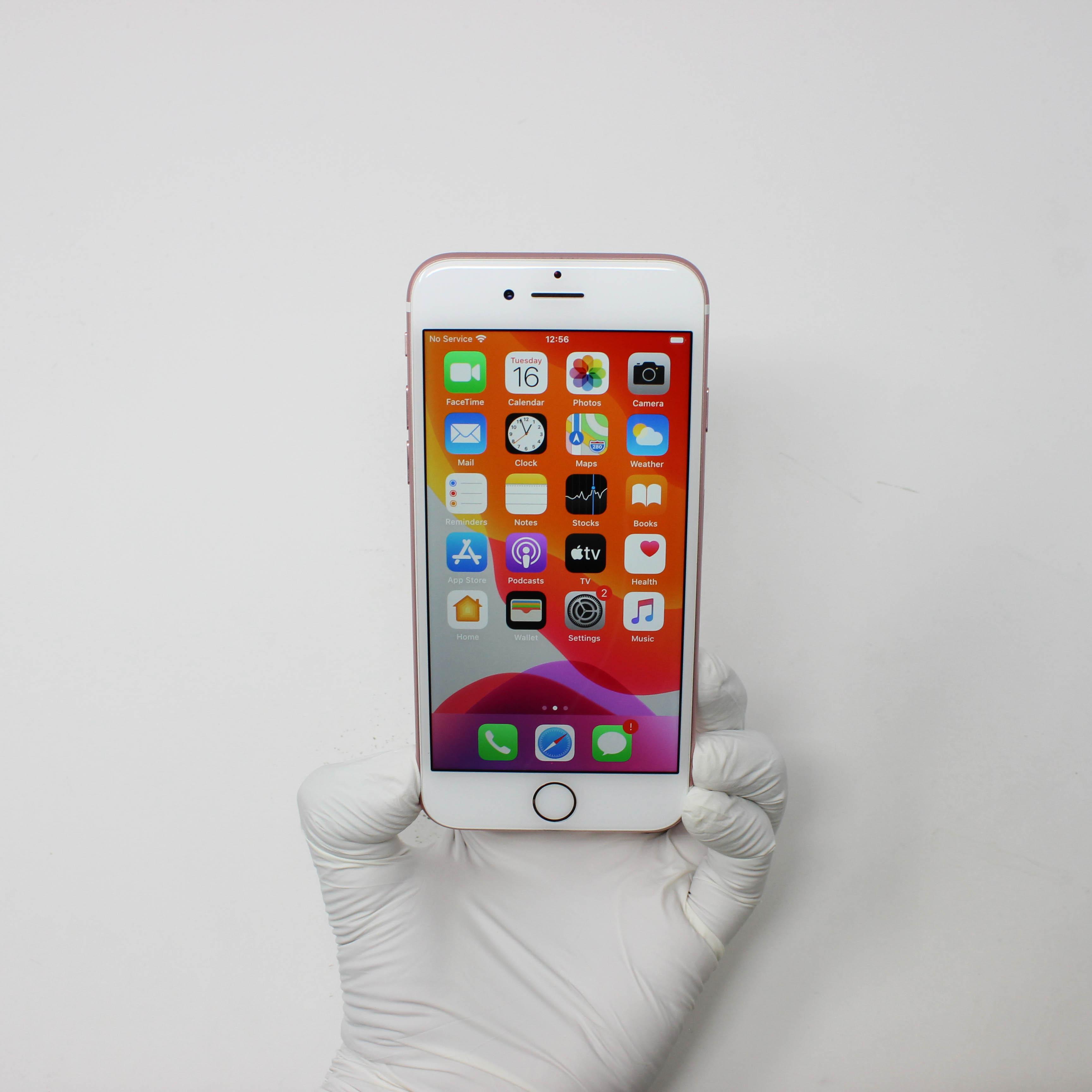 iPhone 7 32GB Rose Gold - Unlocked front display on | UpTradeit.com