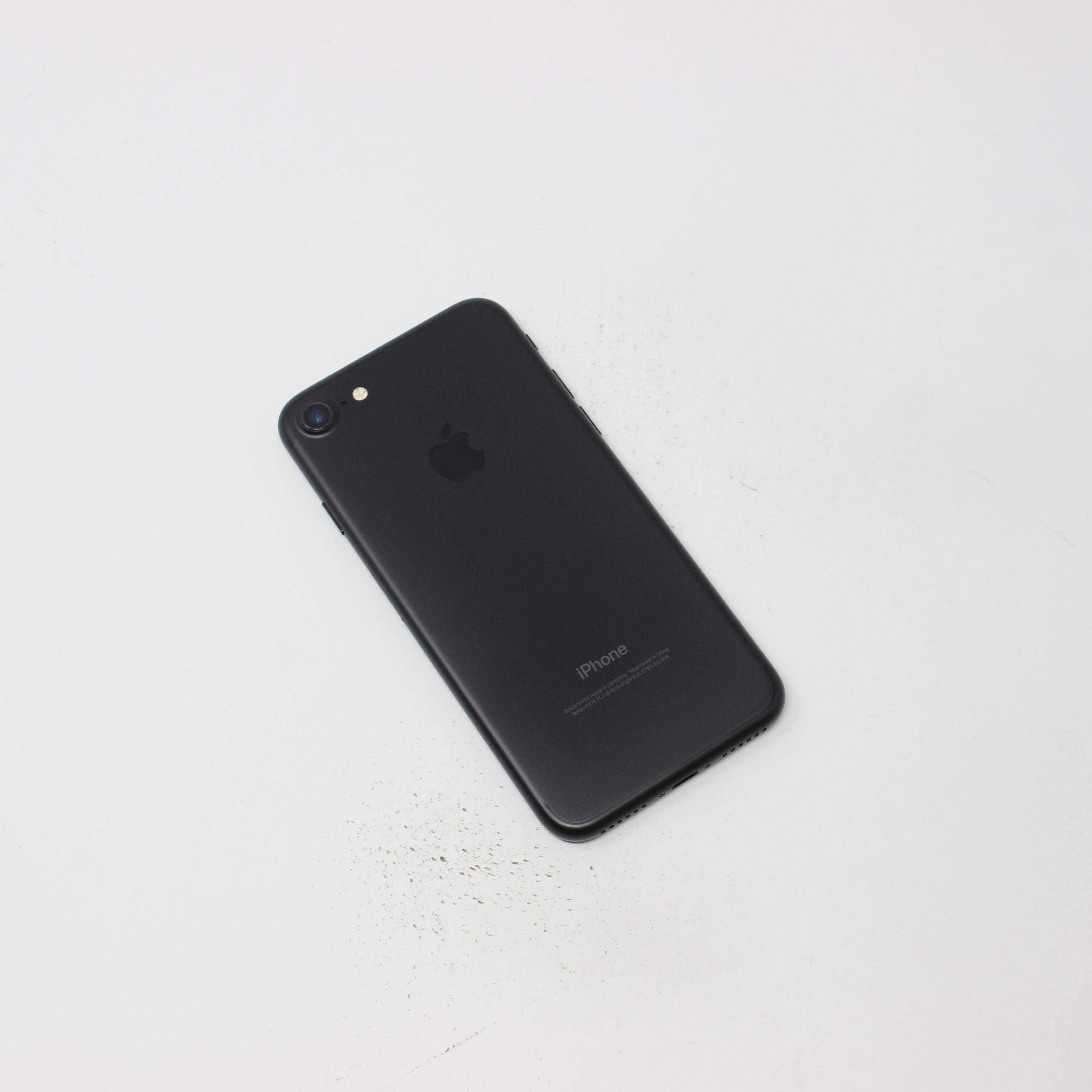 iPhone 7 32GB Black - T-Mobile photo 3   UpTradeit.com