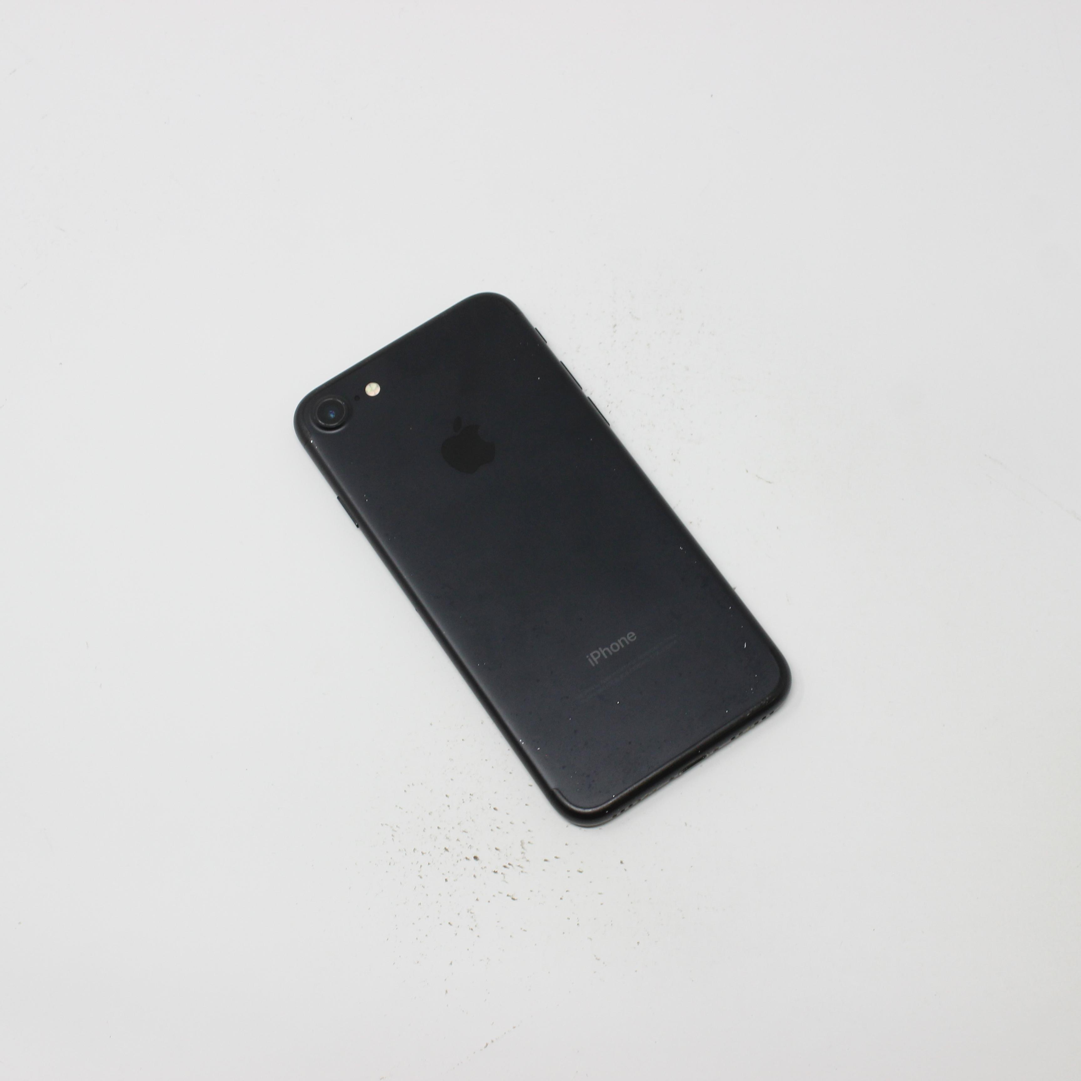 iPhone 7 32GB Black - Unlocked photo 3 | UpTradeit.com
