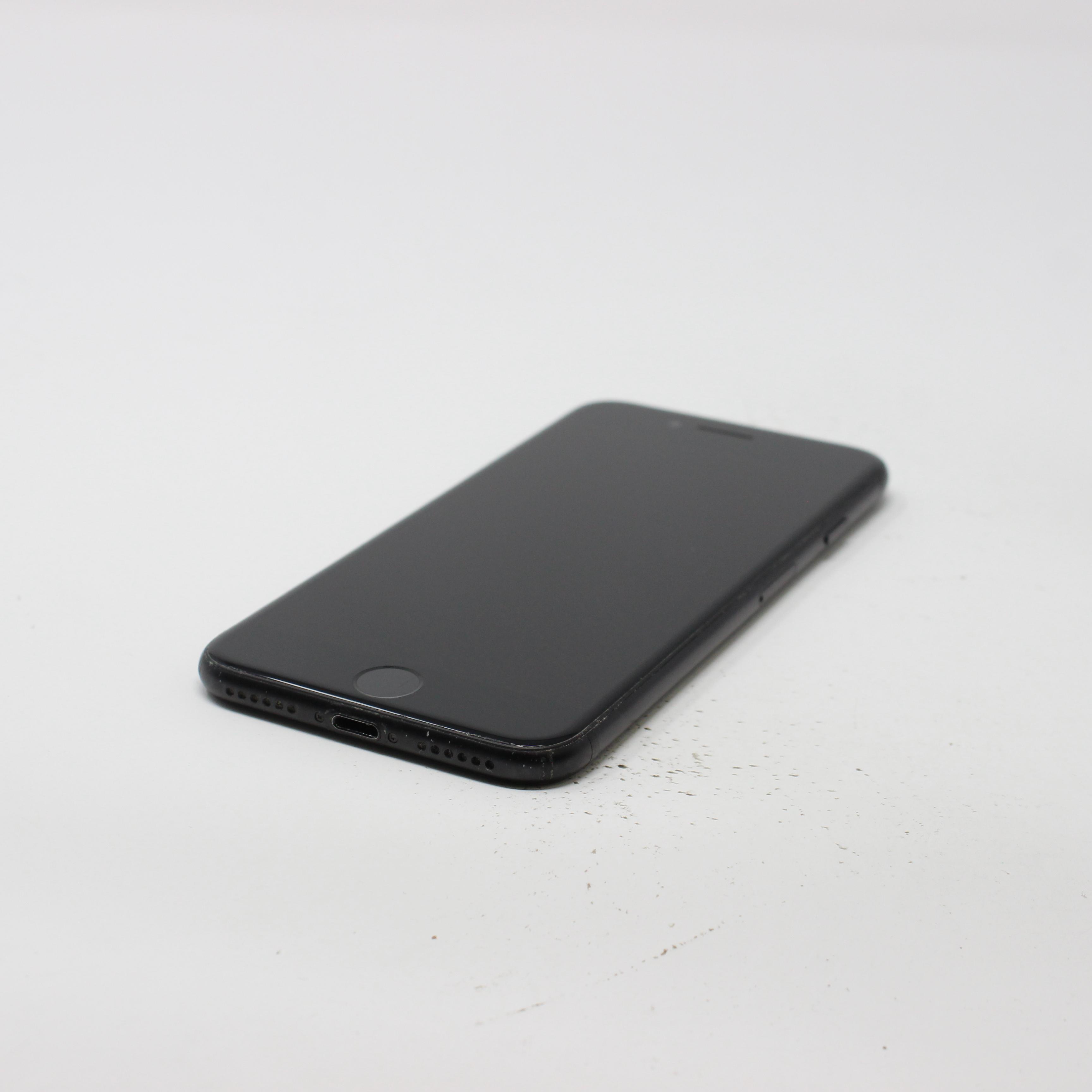 iPhone 7 32GB Black - Unlocked photo 6 | UpTradeit.com