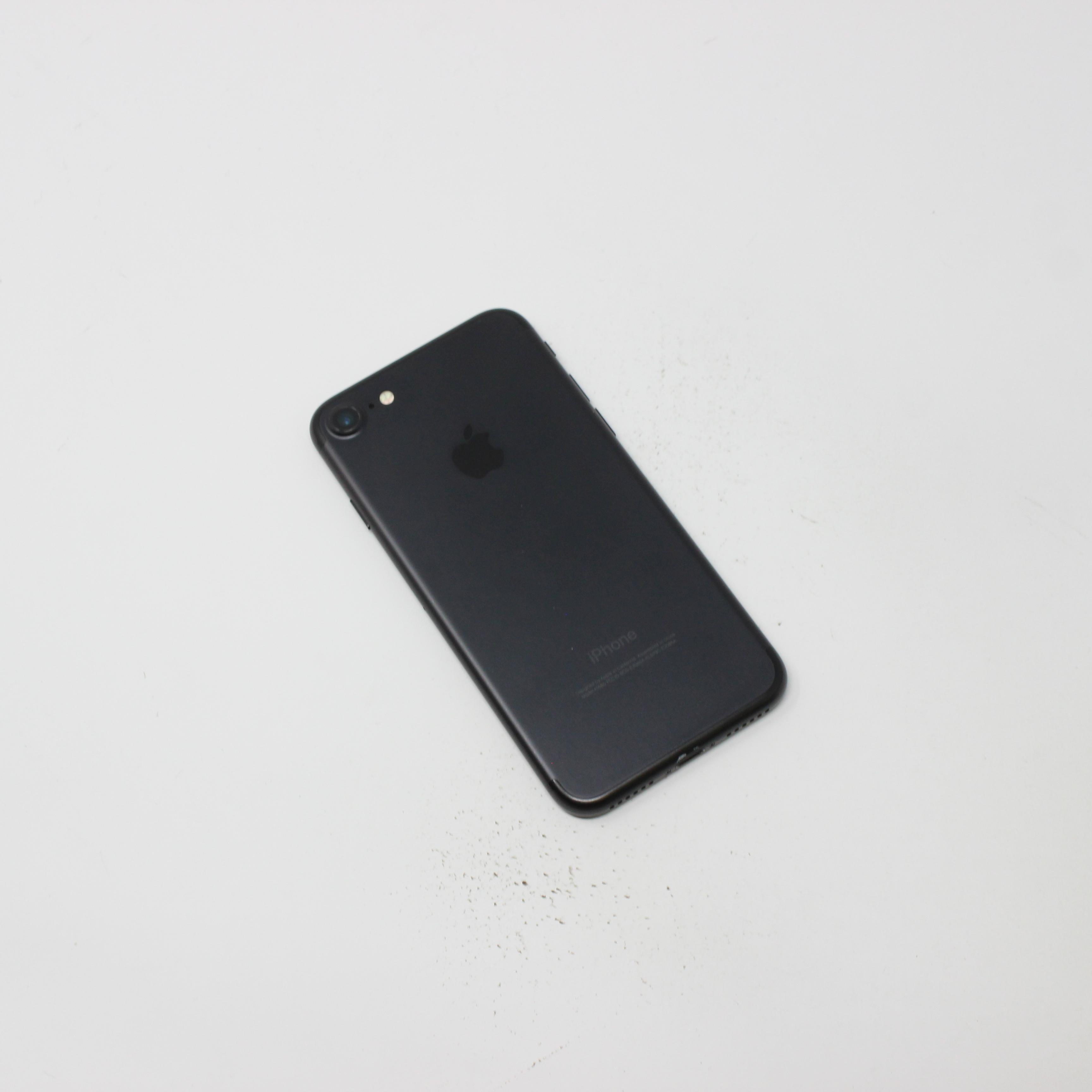 iPhone 7 128GB Black - Unlocked photo 3 | UpTradeit.com