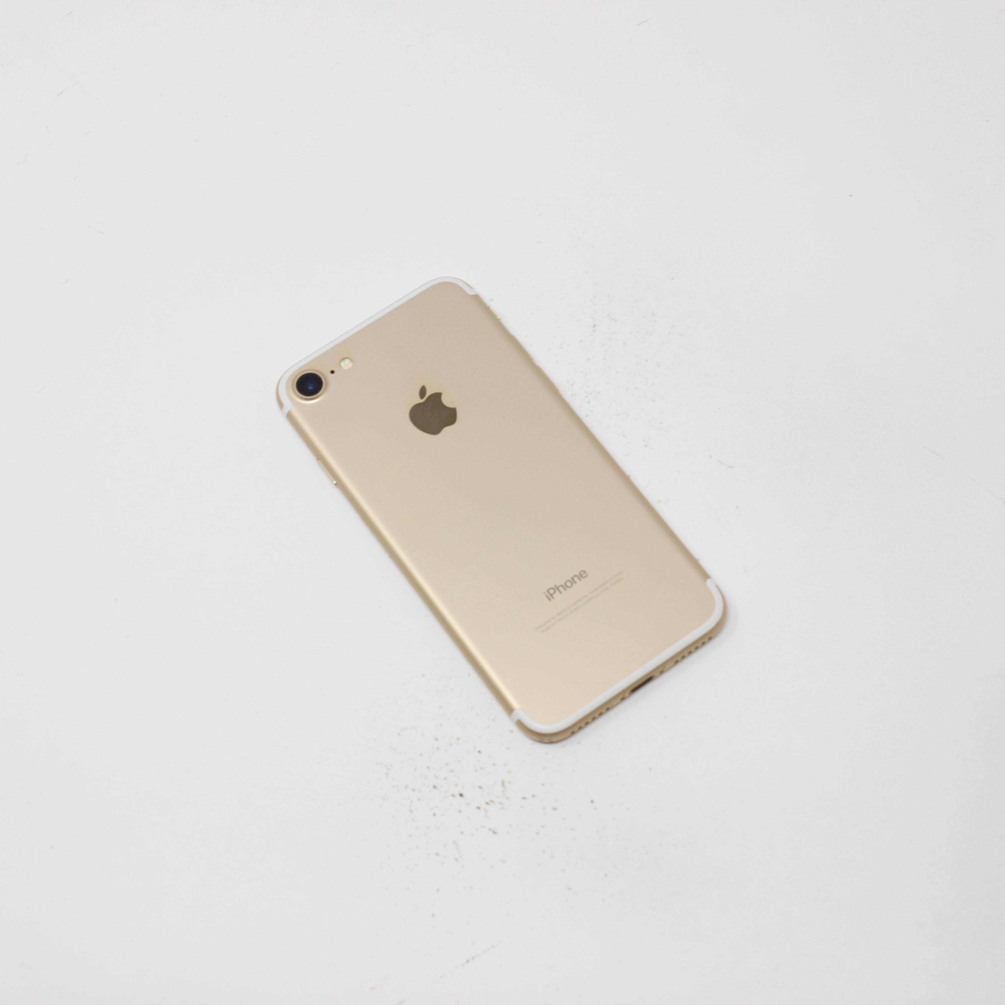 iPhone 7 128GB Gold - Unlocked photo 3 | UpTradeit.com