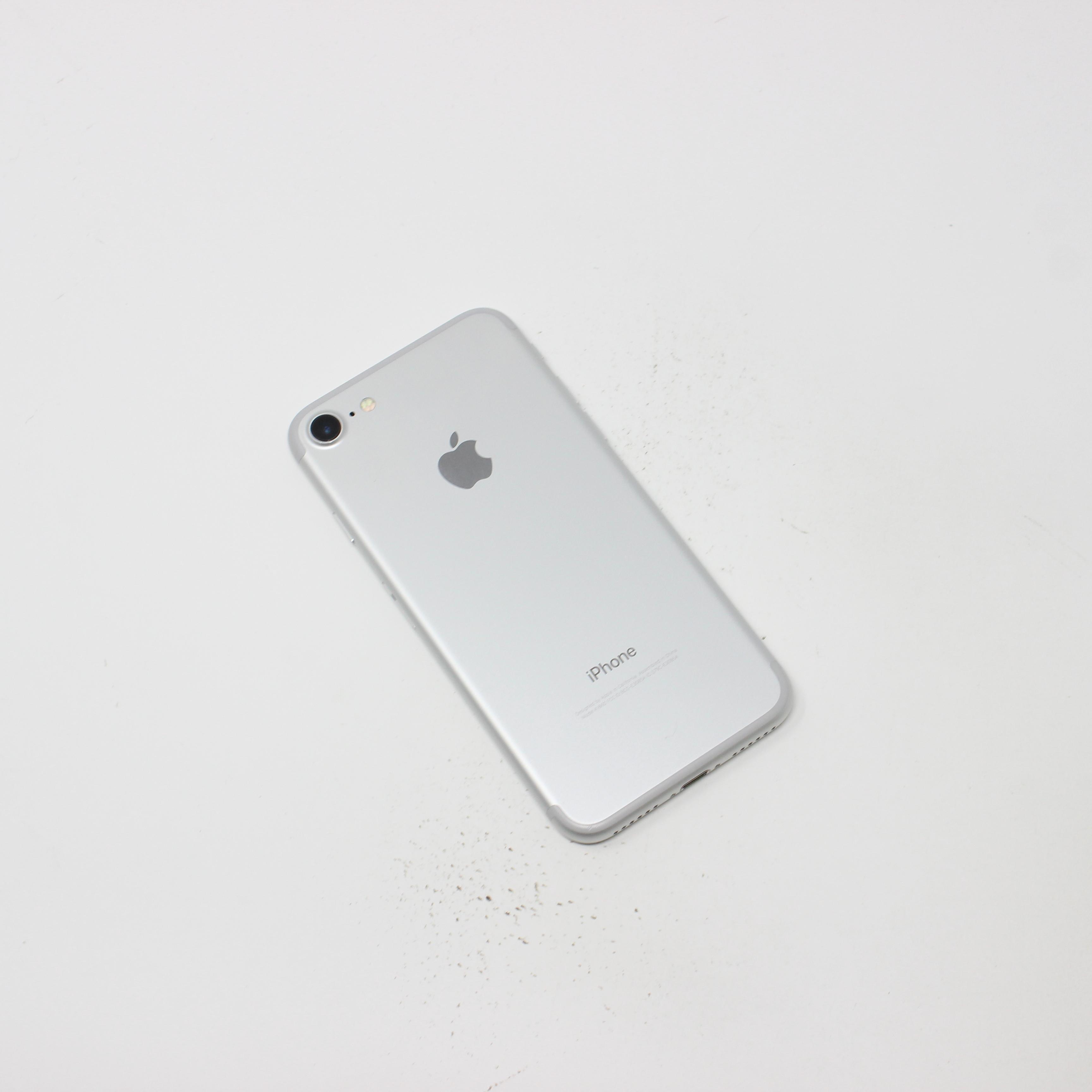 iPhone 7 32GB Silver - T-Mobile photo 3 | UpTradeit.com