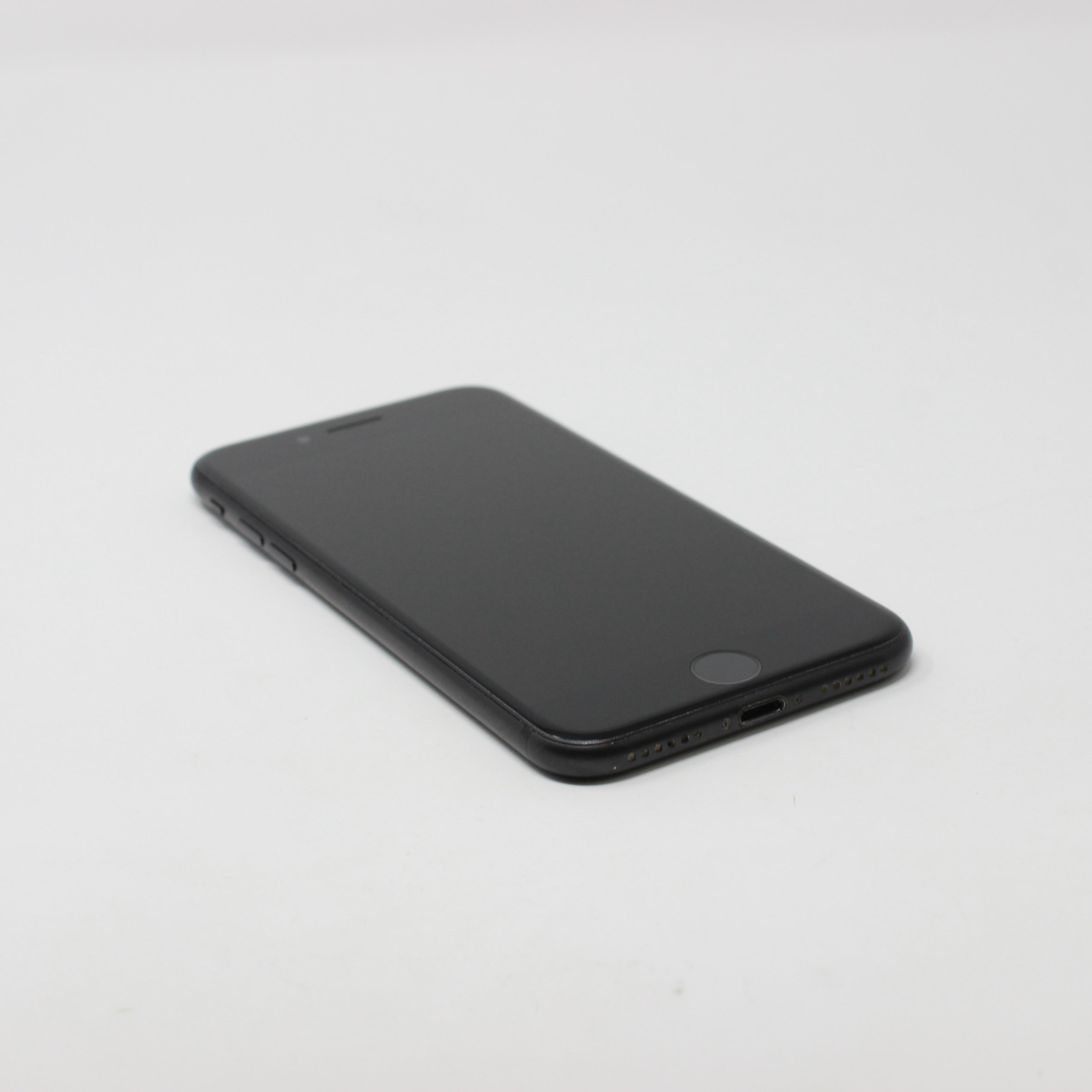 iPhone 7 32GB Black - Unlocked photo 5 | UpTradeit.com