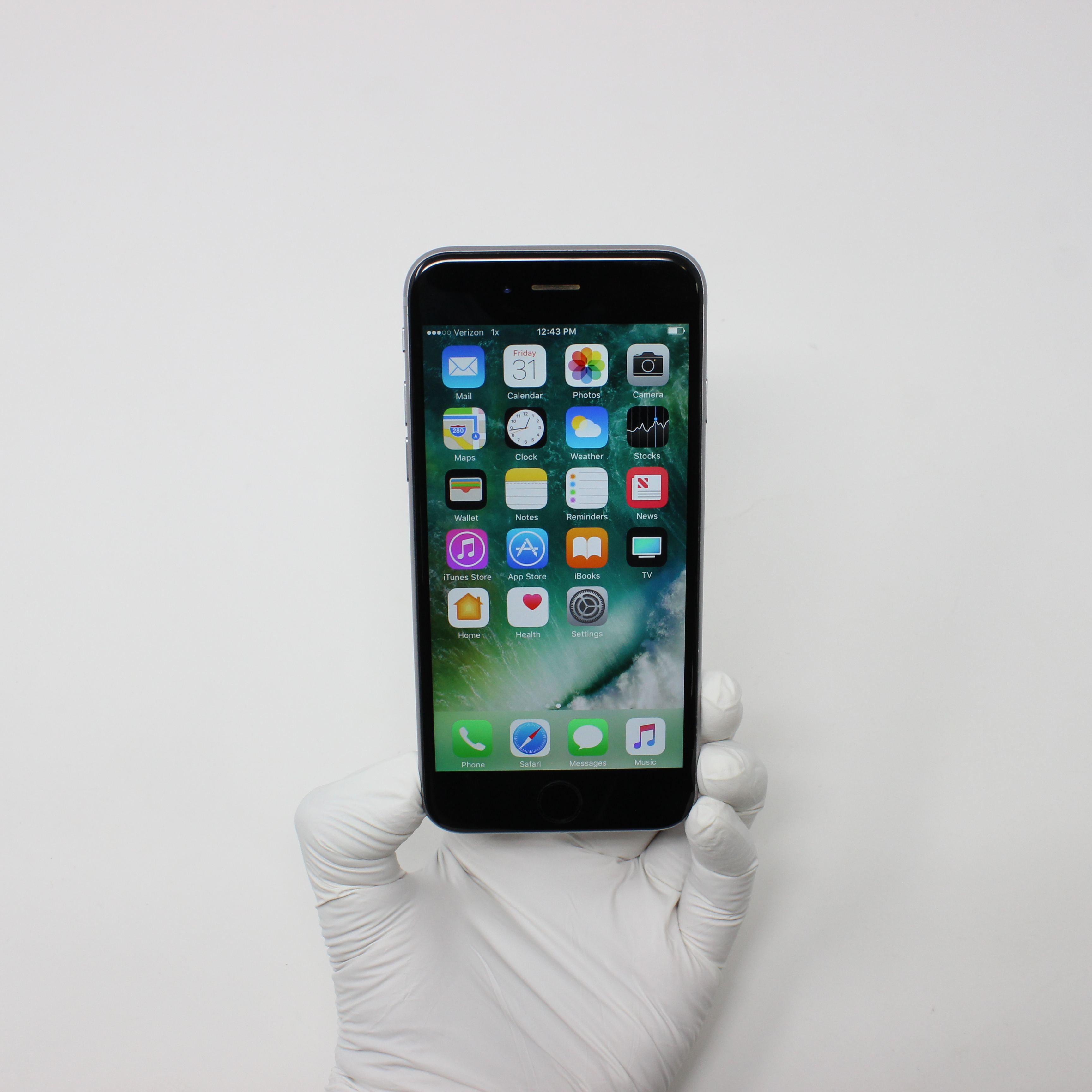 iPhone 6S 16GB Space Gray - Unlocked front display on | UpTradeit.com
