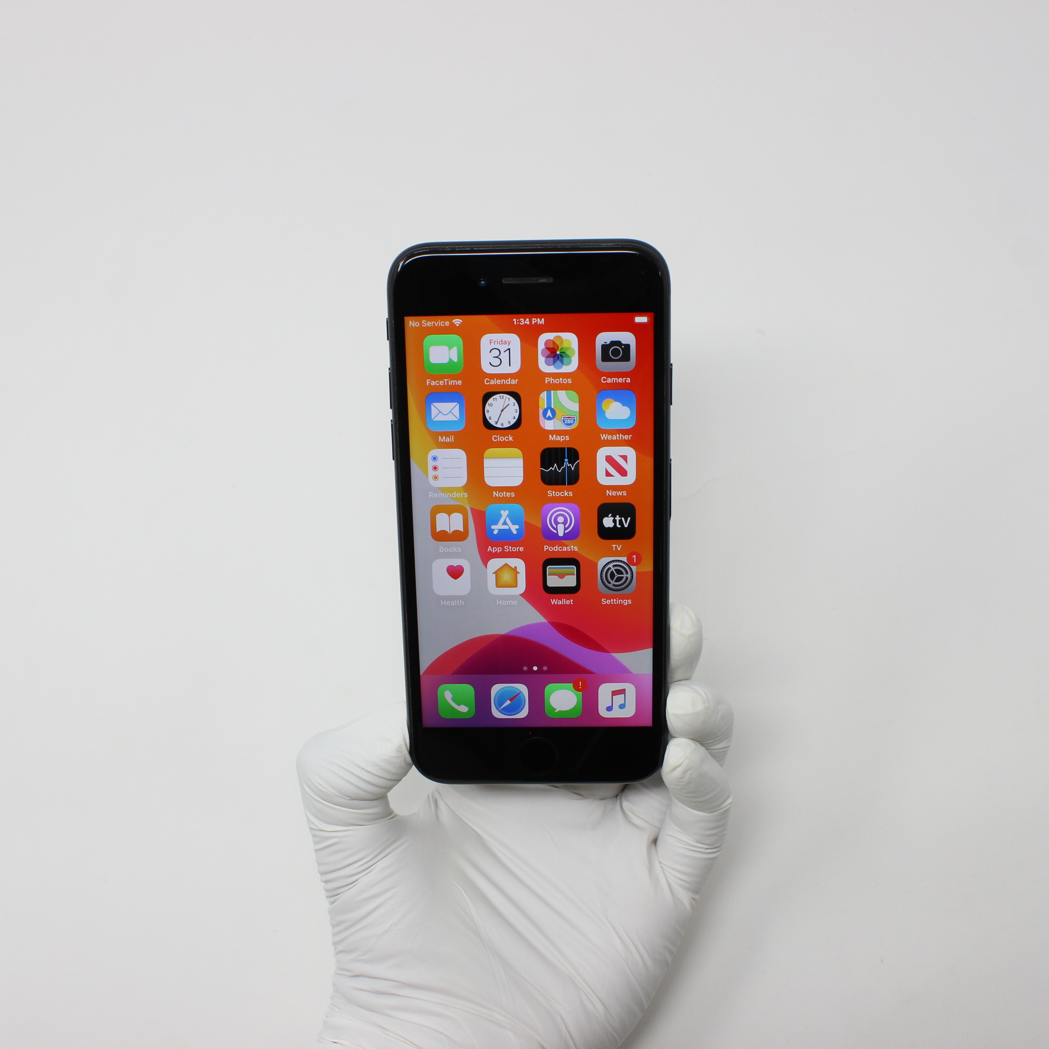 iPhone 7 128GB Black - Unlocked front display on | UpTradeit.com