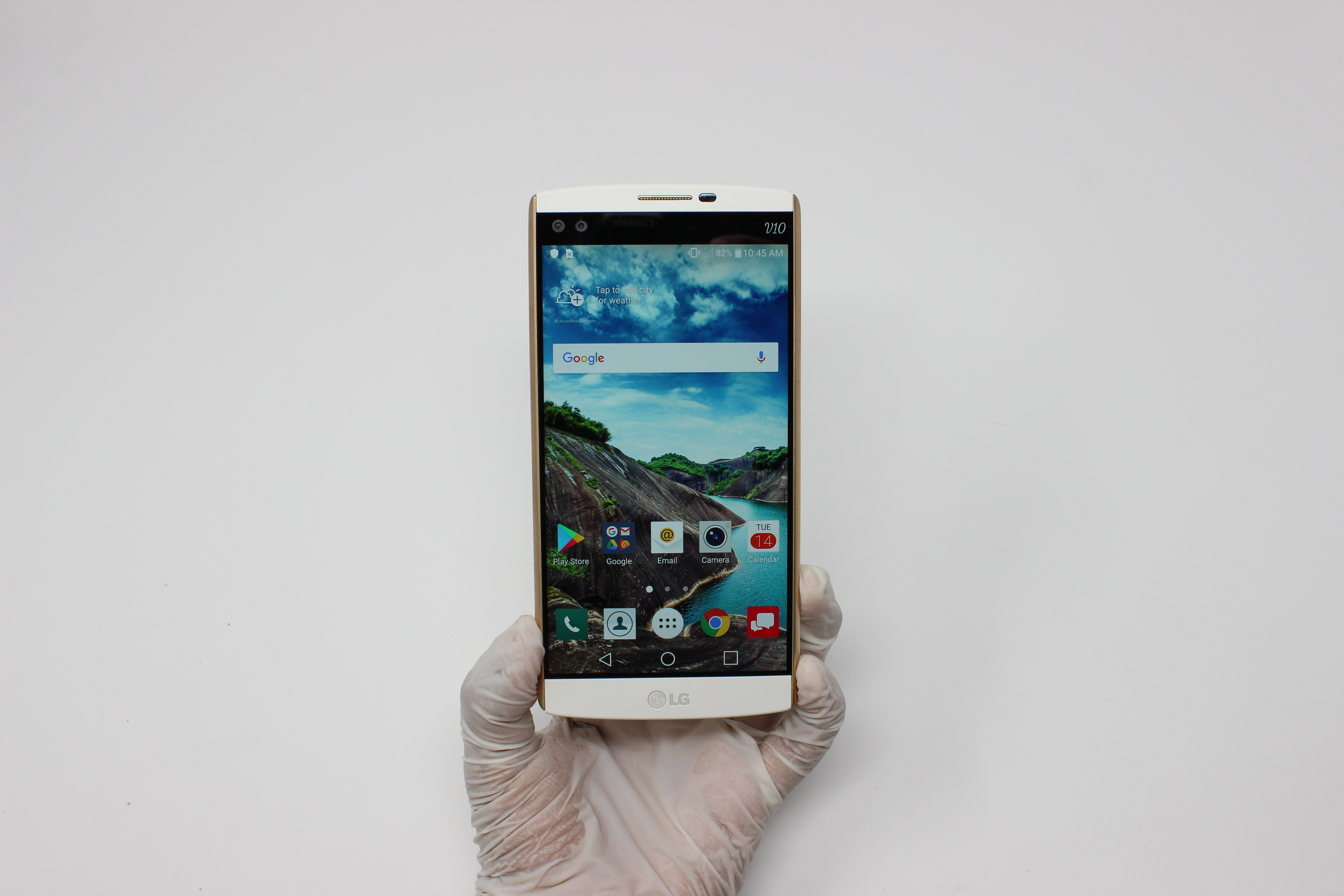 LG V10 32GB Luxe White - AT&T front display on | UpTradeit.com